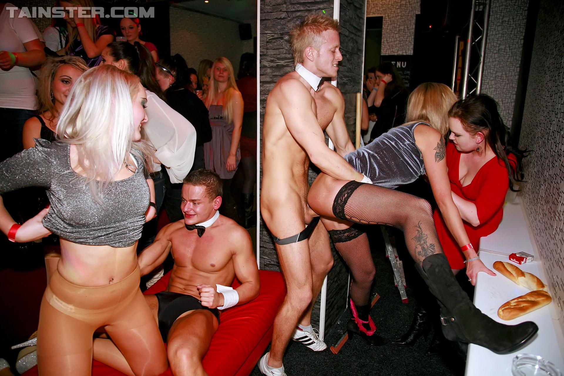 Русское порно в ночных клубах москвы, в московском клубе, порно видео онлайн, бесплатно на 8 фотография