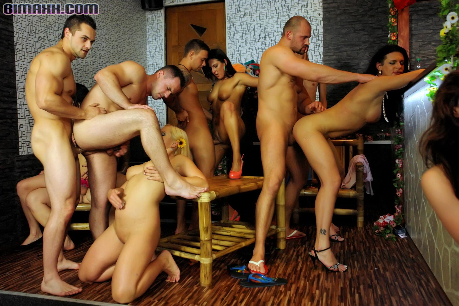 Секс вечеринка бисексуалов