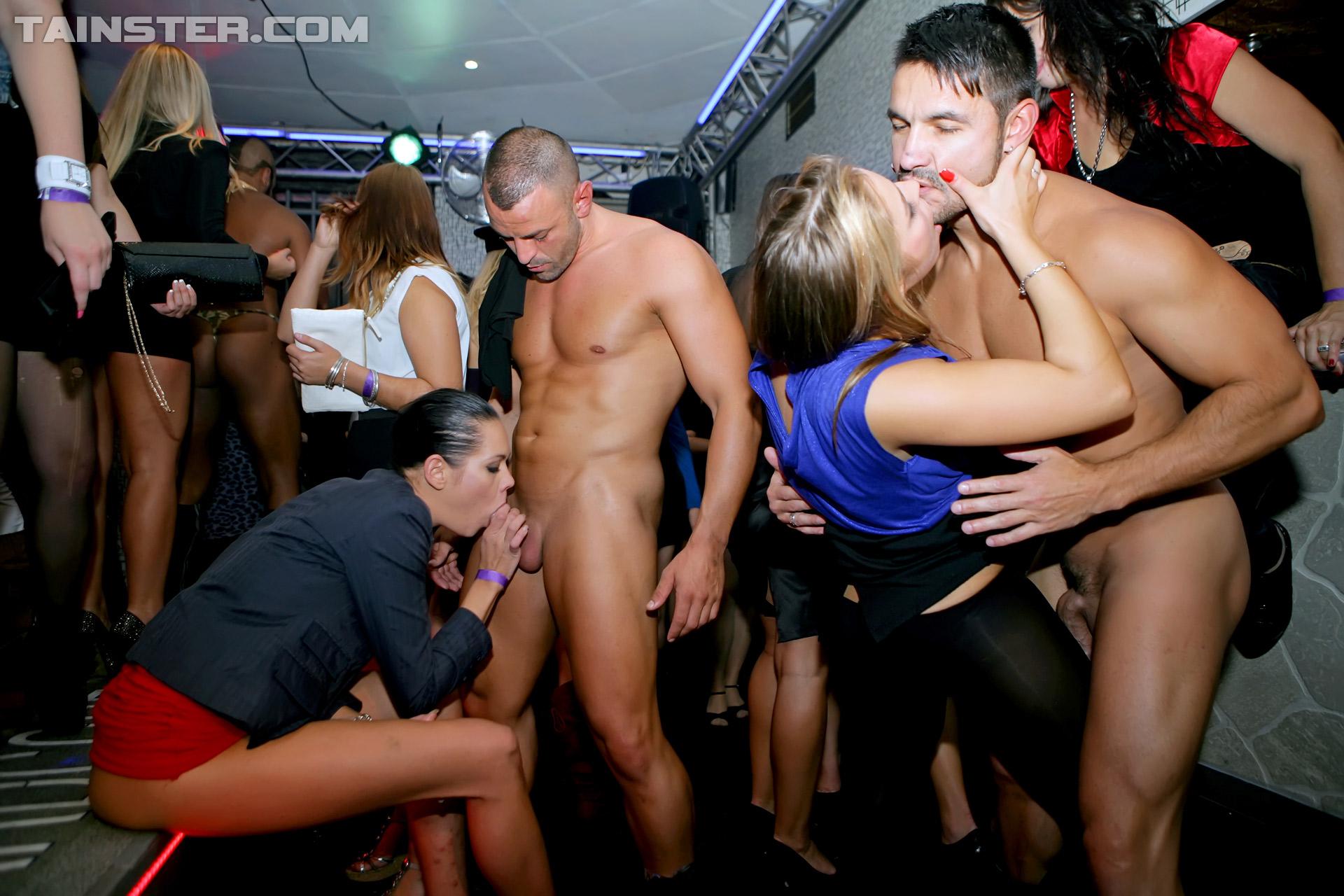 Поро в клубах онлайн, Порно вечеринки смотреть бесплатно в HD качестве 10 фотография