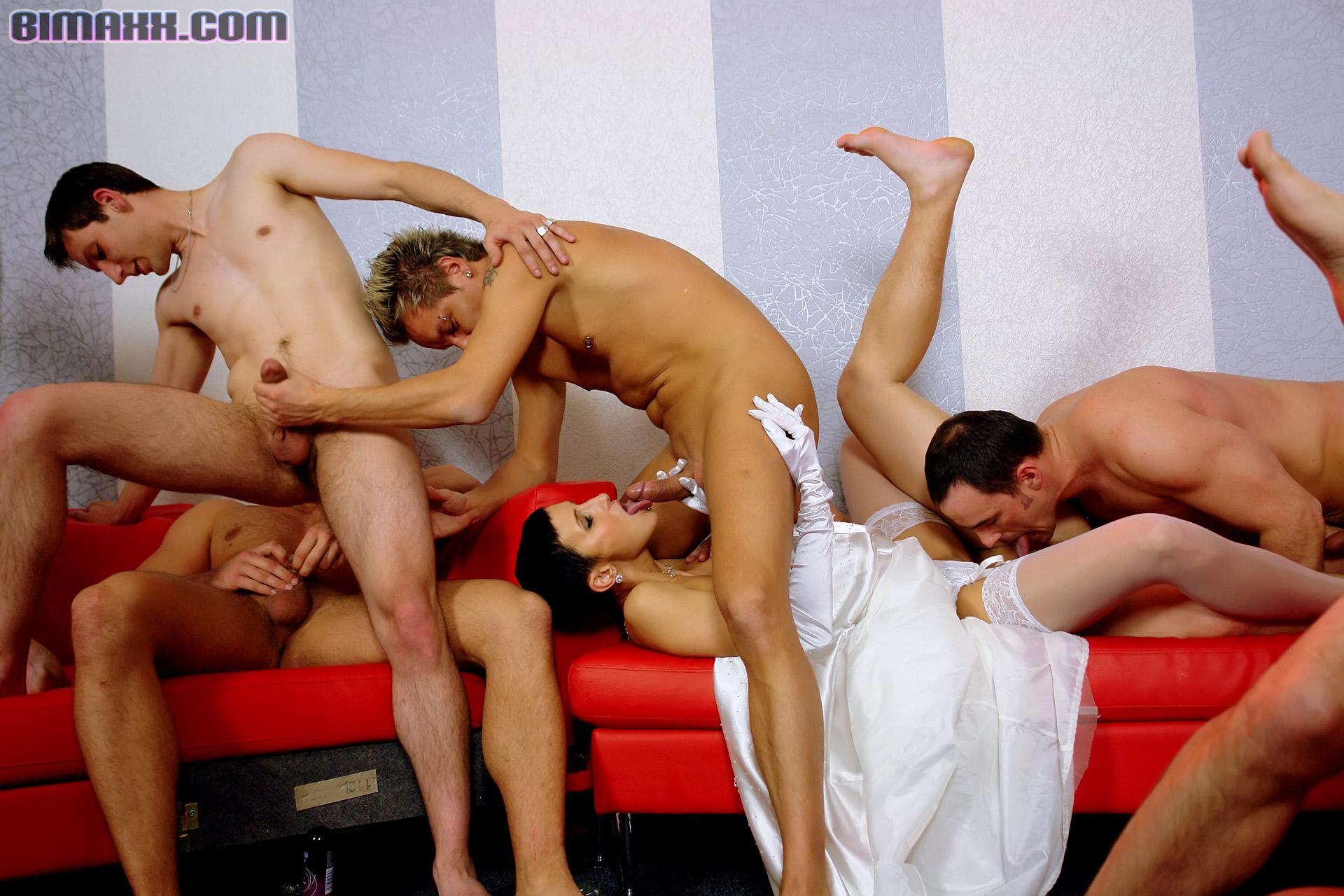 Итальянское Порно С Фистингом И Переводом Бисексуалы