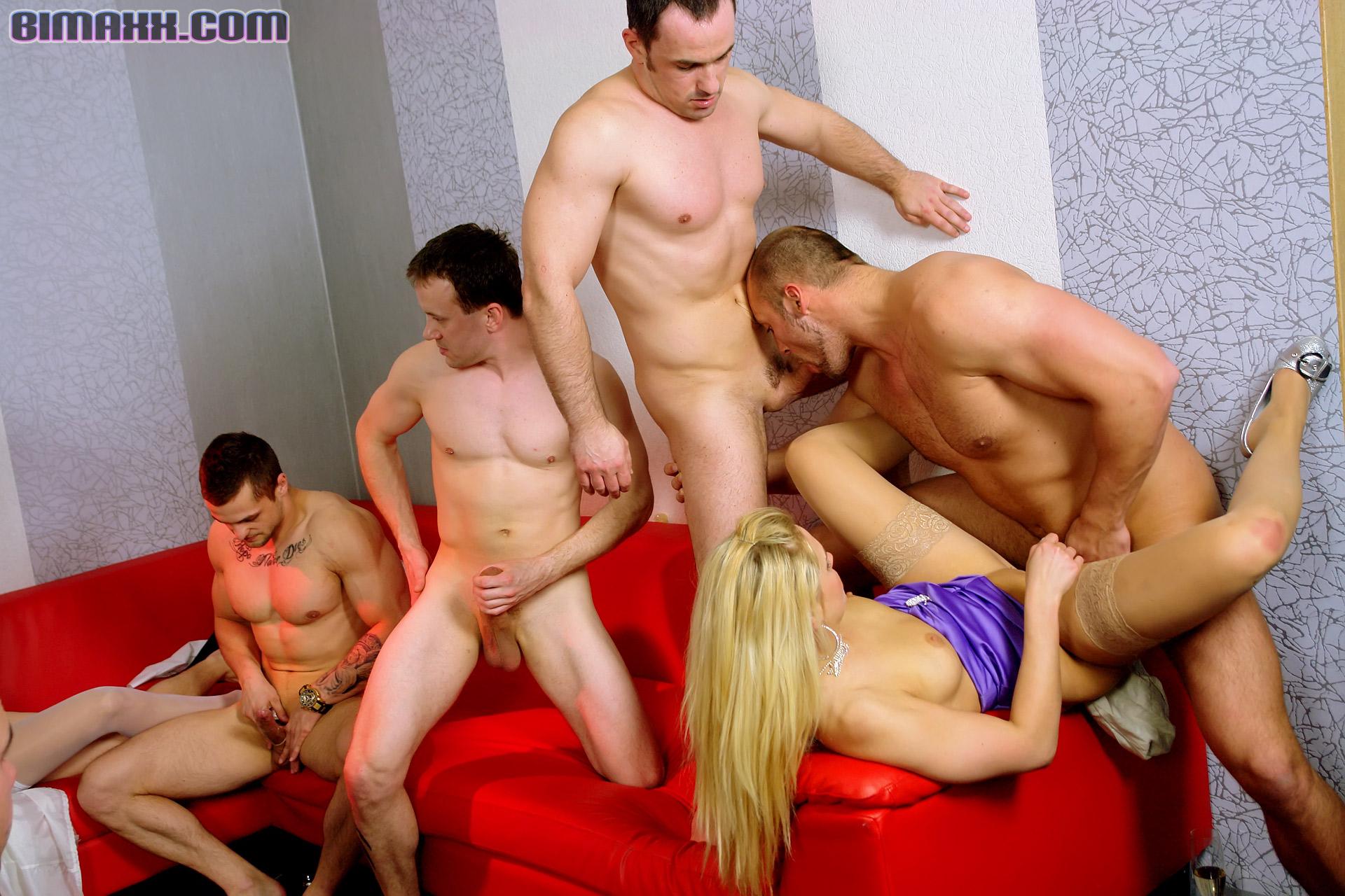 porno-narezki-biseksa