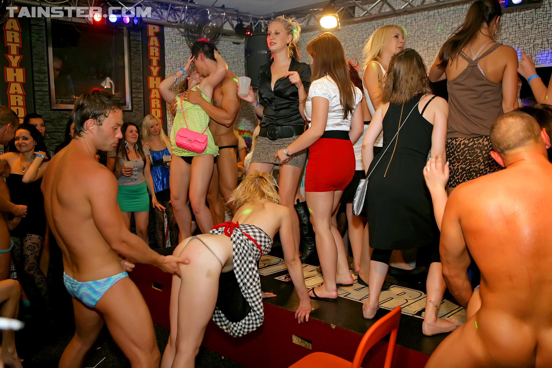 Видео секс конкурсов из закрытых вечеринок и клубов