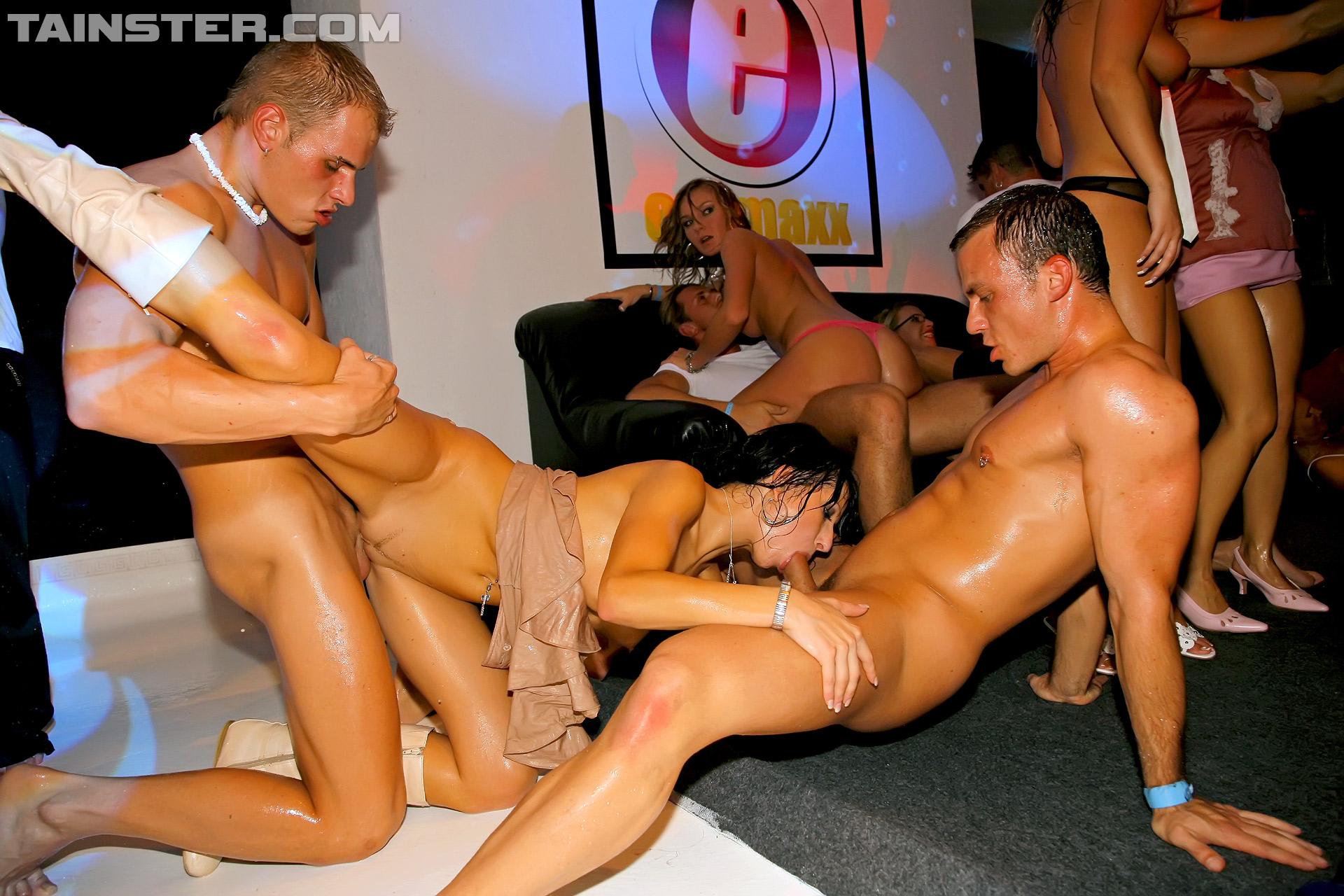 Секс шоу бесплатно, секс НА реалити шоу: порно видео онлайн, смотреть 8 фотография