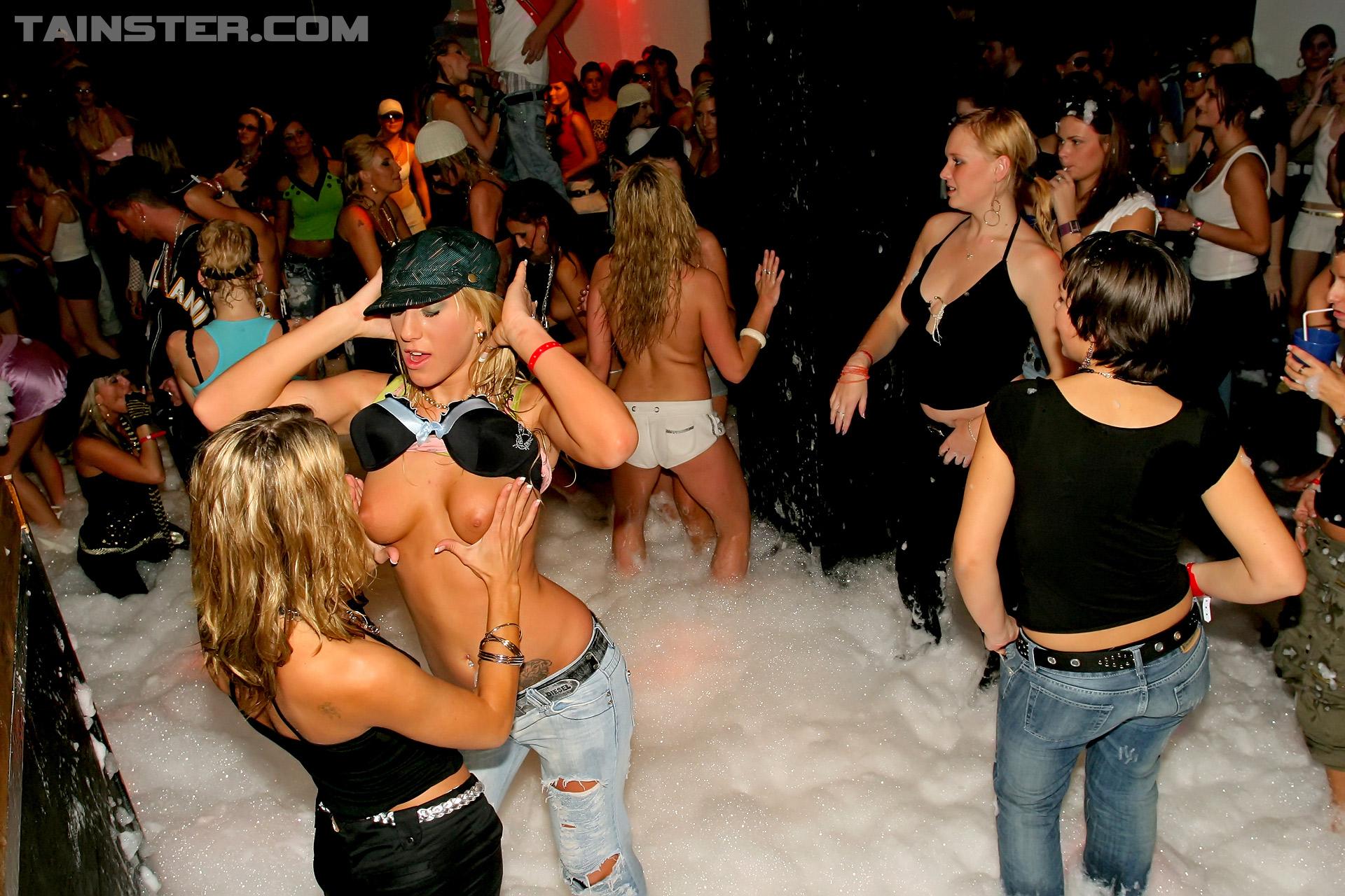 Свинг клубы вечеринки видео всего сайта