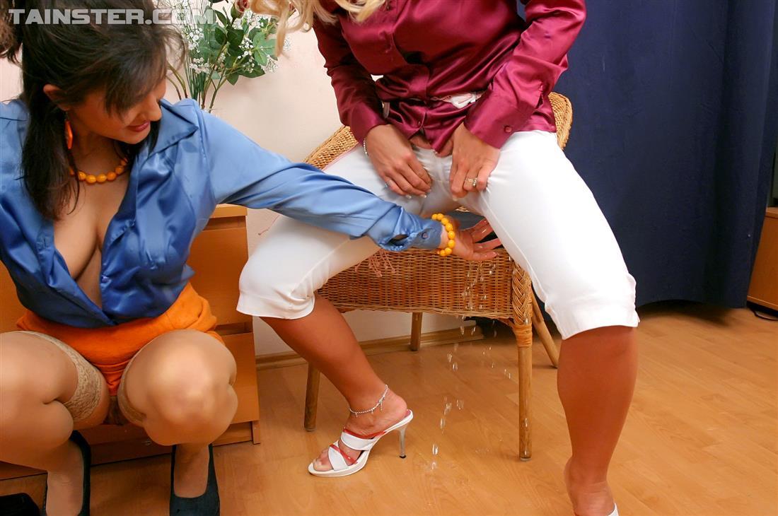 Ссытся в штаны, Описалась В Джинсы biqle Видео 5 фотография