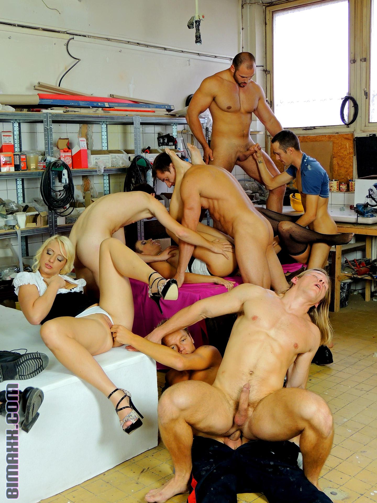 Порно бисексуалы толпой
