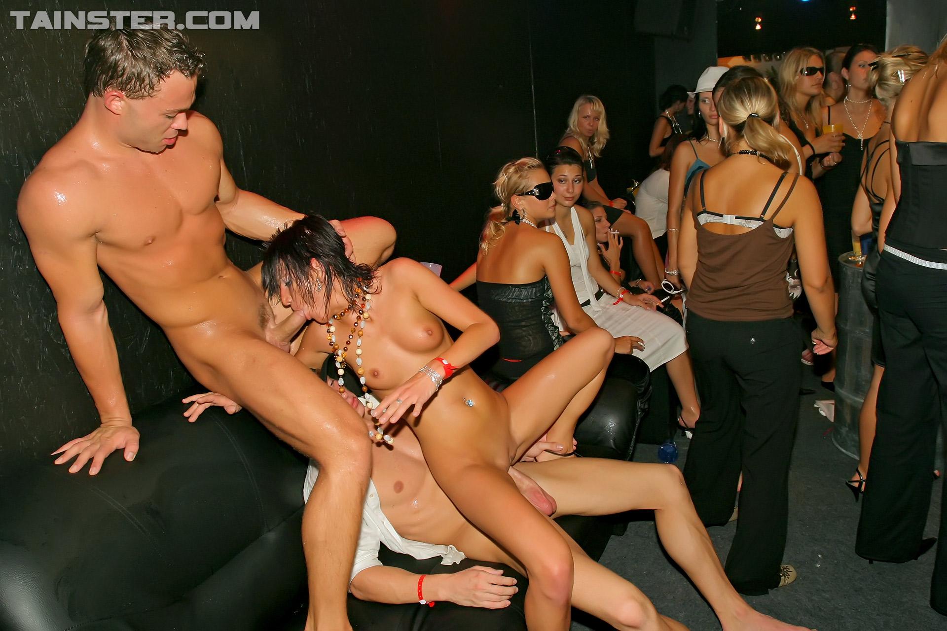 Секс на дискотеках онлайн бесплатно, Порно вечеринки » Порно онлайн в хорошем качестве 7 фотография