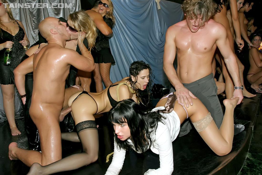 Фото порно у вечеринка, Порно вечеринки, фото секс пати, порно клуб 10 фотография